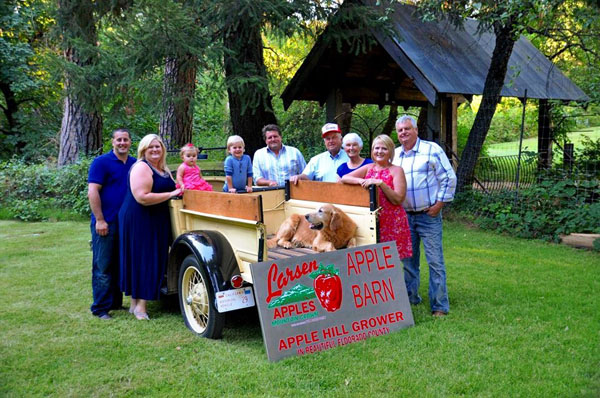 Larsen apple barn wedding